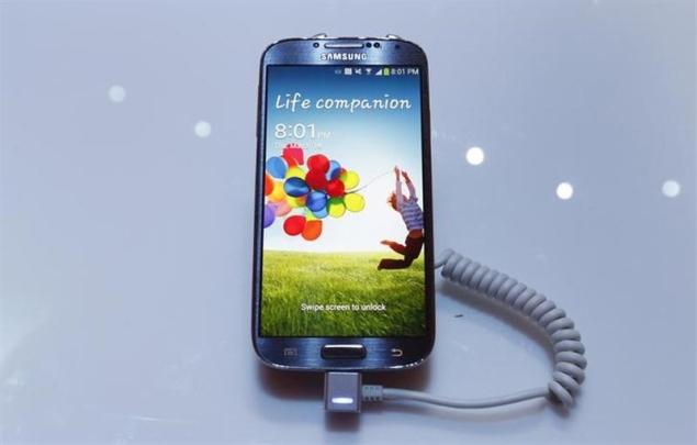 Samsung Galaxy S4 blitz may prompt Apple rethink