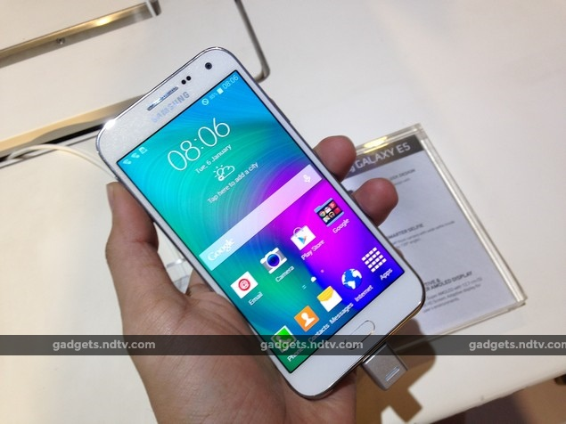 samsung_galaxy_e5_front_launch_event_ndtv.jpg