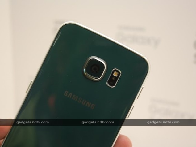 Some Galaxy S6 Users Report Camera Flash Issues, Samsung