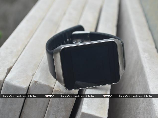 LG G Watch, Samsung Gear Live Review: Android You Can Wear