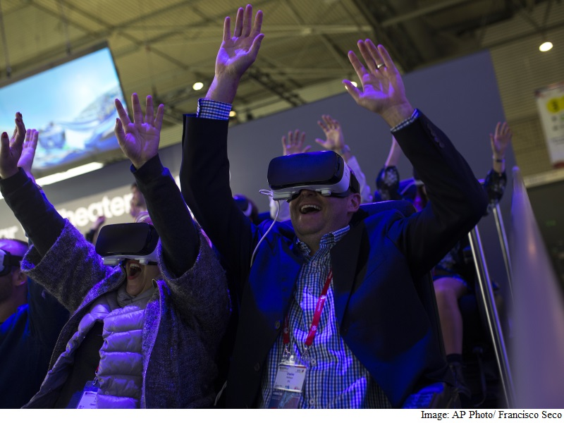 Virtual Reality Is Next as Smartphone Sales Slow