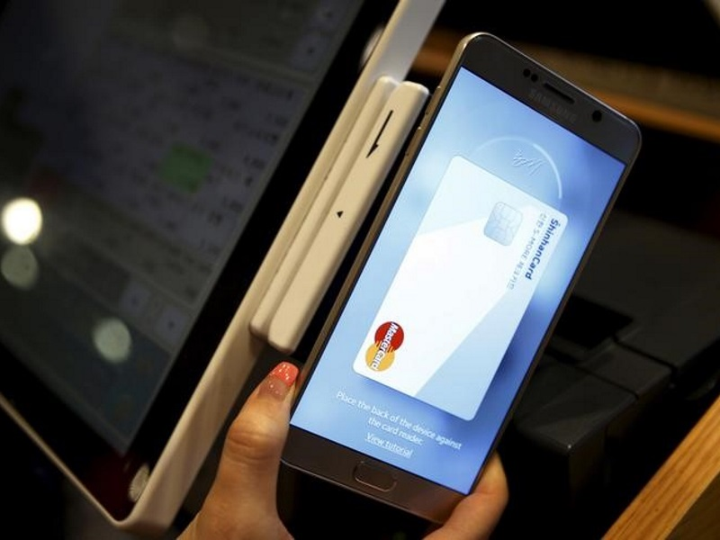 Samsung Follows Apple Into China With Its Own Mobile Payment Service