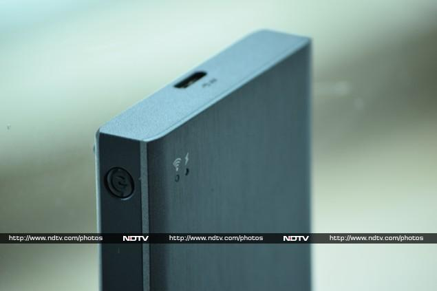 seagate_wireless_plus_upright_ndtv.jpg