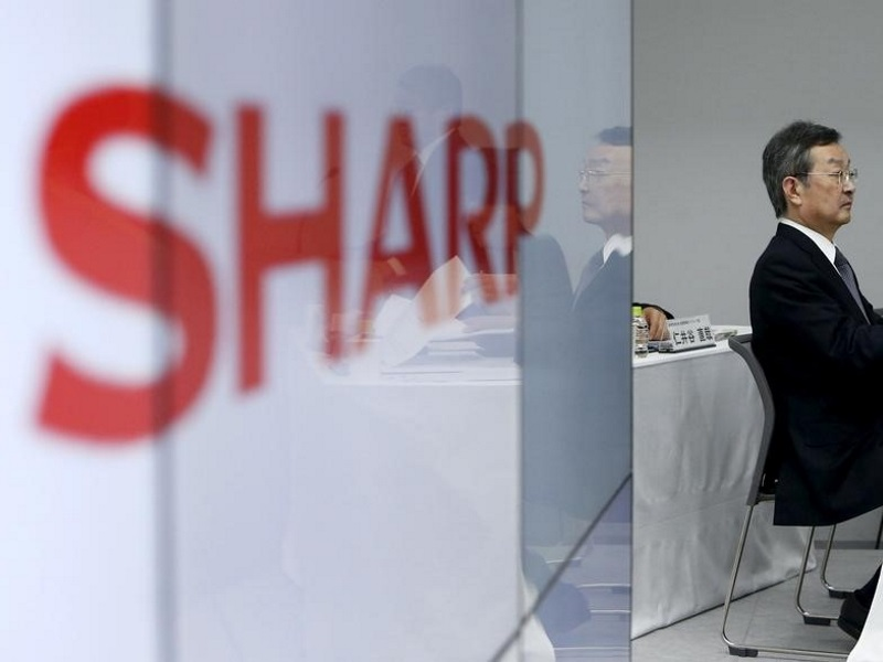 Foxconn CEO to Meet With Sharp Executives on Friday