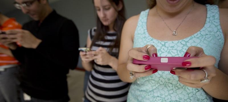 France to Launch Smartphone 'Terror Alert' App