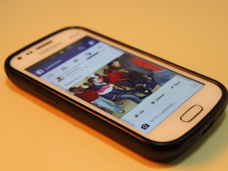 Your Facebook News Feed Will Now Prioritise Friends and Family Over Publishers
