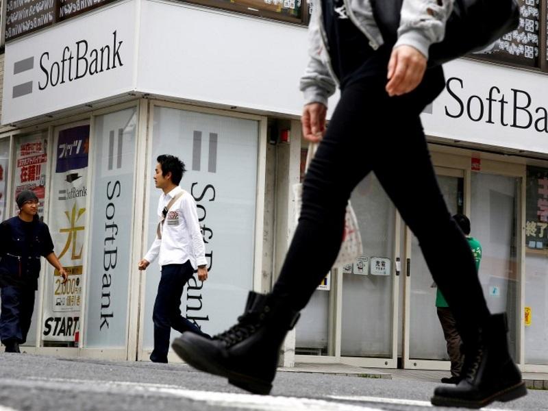 SoftBank Names Domestic Telecom Chief Miyauchi as Arora's Replacement