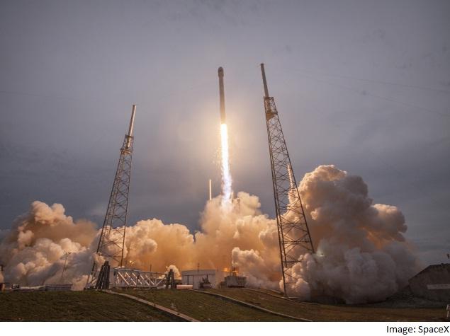 US Should Spurn Russia's Rocket Engines Despite SpaceX Failure: McCain