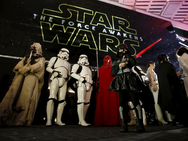 The Force Awakens Surpasses $1 Billion Mark in Record Time