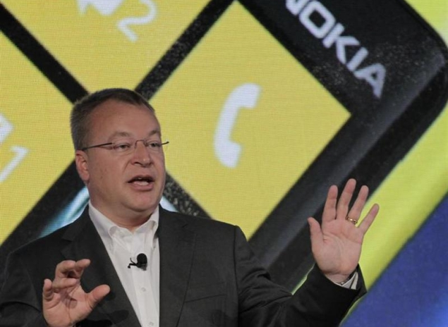 Nokia CEO evades questions about Lumia 928, tosses an iPhone on the floor