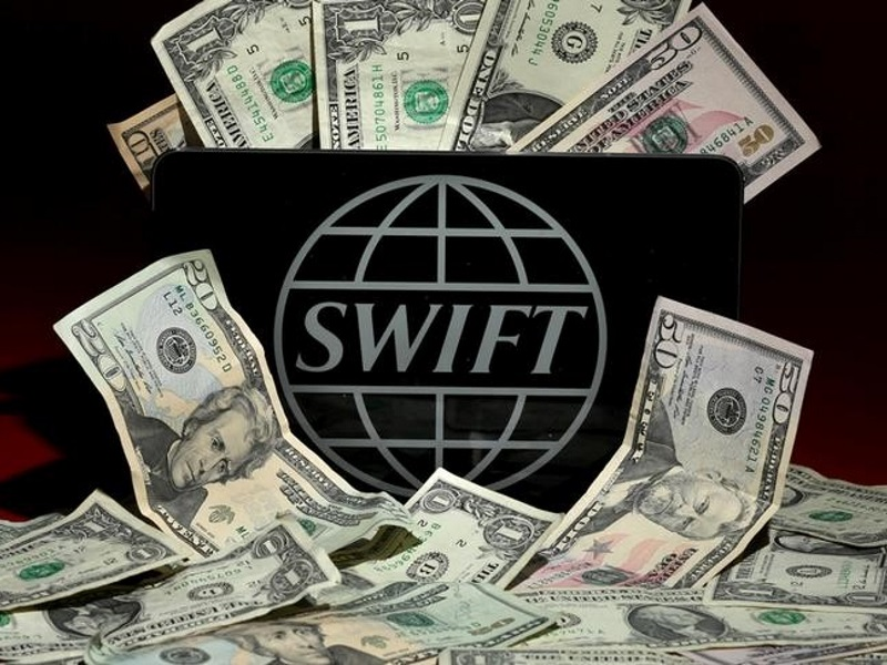 Cyber Thieves Exploit Banks' Faith in Swift Transfer Network