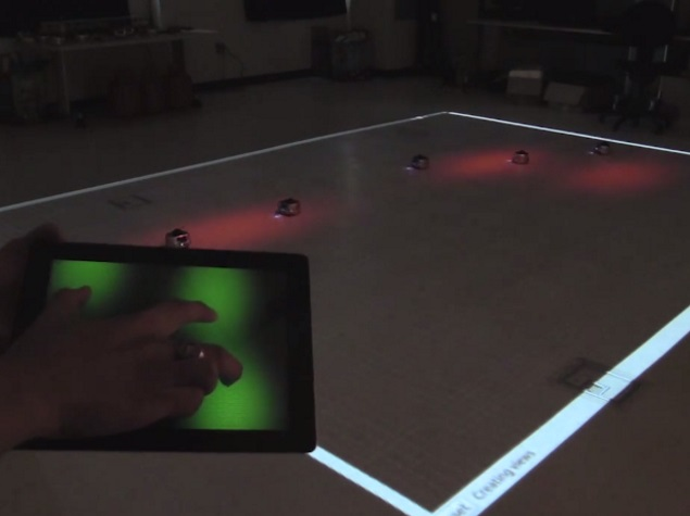 New Algorithm Enables Control Over Swarms of Robots With Swipe of a Finger