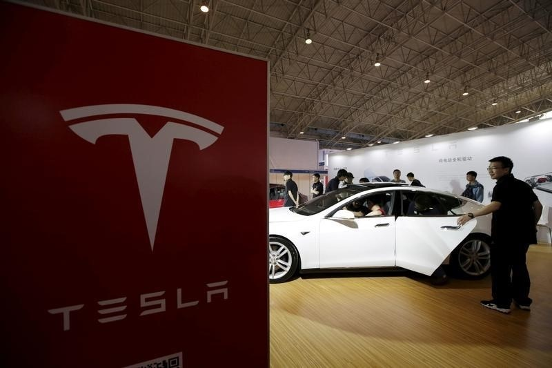 Tesla Considers Launching Its Own Music Streaming Service for 'Exceptional In-Car Experience'