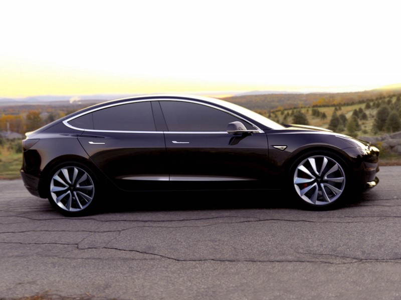 Tesla Racks Up 276,000 Model 3 Pre-Orders in Just 3 Days