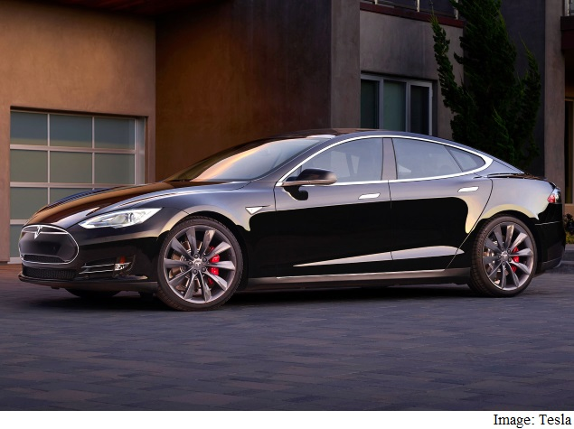 Tesla Says Its Model S Car Will Drive Itself This Summer