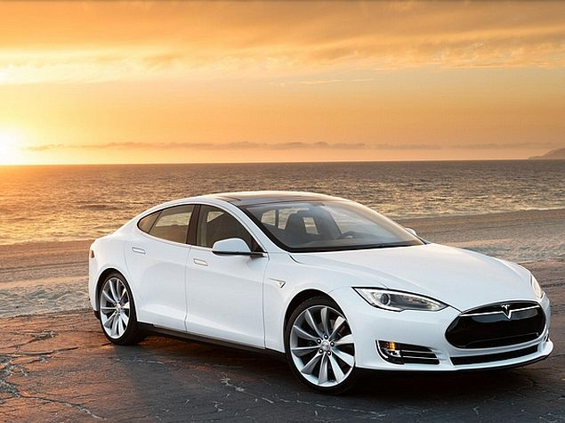 Musk Promises Away Entire Tesla Patent Portfolio to Promote Electric Cars