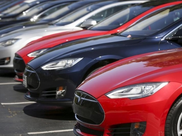 Tesla Issues OTA Update to Model S for Security Flaws Found by Hackers