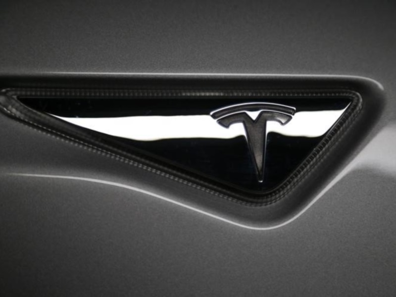 Tesla Crash Could Hurt Sentiment on Driverless Cars