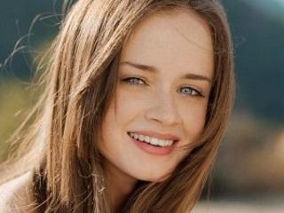 Netflix to Bring Back Hit TV Series Gilmore Girls