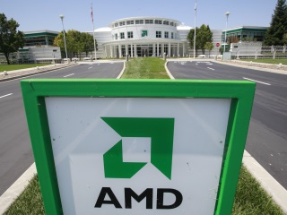 AMD Forecasts Stop to Revenue Decline on Strong Chip Demand, Licensing Deal
