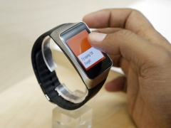 HTC Being 'Very Careful' With Its Still-in-Development Smartwatch: CEO