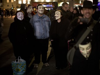 Anonymous Hackers Fight Islamic State, But Reactions Are Mixed
