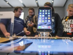 Some Consumers Say Apple Is Losing Its 'Cool' Factor