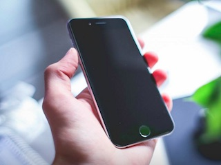 आईफोन एसई और 9.7 इंच स्क्रीन वाला आईपैड प्रो 21 मार्च को होगा लॉन्च: रिपोर्ट