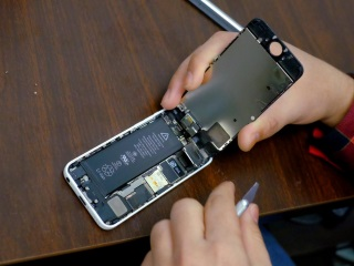 US Attempt to Unlock iPhone Could Impact New York Case: Apple