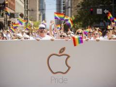 Apple, Facebook, Google Cheer on San Francisco Gay Pride Parade