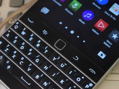 BlackBerry Classic Review: For Those in Love With the Past