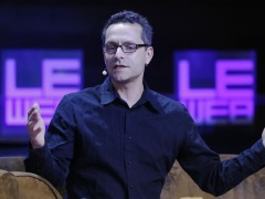 Google+ Split Into Photos and Streams Products, Headed by Bradley Horowitz