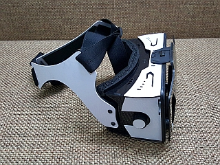 Converge VR Headset Offers the Best Glasses Free Cardboard Experience