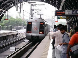 Soon, Get Your Online Shopping Delivered to Delhi Metro Stations