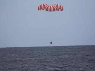 SpaceX Dragon Cargo Capsule Splashes Down in Pacific Ocean