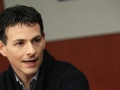 Hedge fund manager Einhorn takes Apple campaign to shareholders
