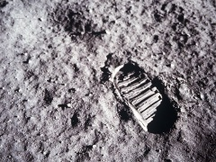 Japanese Firm Looks to Explore Moon Surface for Minerals