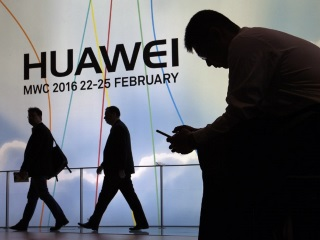 Huawei, Oppo See Growth in Q1 2016 as Global Smartphone Shipments Fall: Strategy Analytics