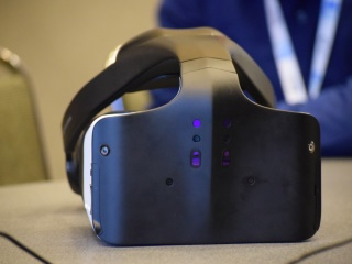 Intel Announces Project Alloy 'Merged Reality' Headset; Microsoft to Release Holographic Display Support for Windows 10
