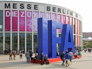 Smartwatches, Intelligent Homes Shine at IFA 2015