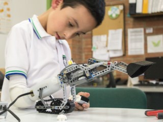 Lego Arm for Disabled Kids Wins Digital Innovation Prize