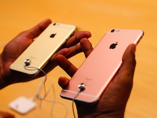 Customs Duty on Mobile Phones Won't Increase iPhone Prices in India