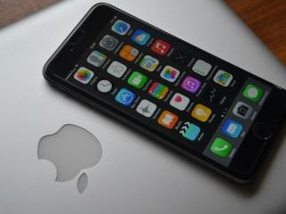ऐप्पल हर 3 साल में आईफोन के डिजाइन में करेगी बड़ा बदलाव: रिपोर्ट