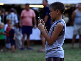 Heavy Smartphone Use Can Make Children Cross-Eyed: Study