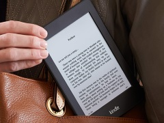 Amazon Kindle Paperwhite E-Readers at Rs. 2,000 Discount on GOSF Day 1
