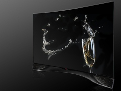 LG Unveils Curved OLED TV Encrusted With Swarovski Crystals