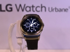 Wrist Action: Smartphone Firms Bet on 'Year of Smartwatch'