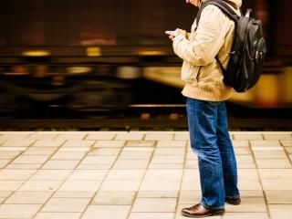 रिलायंस अपने सीडीएमए ग्राहकों को मई से 4जी नेटवर्क पर करेगी अपग्रेड