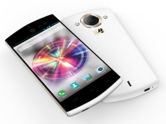 Micromax Canvas Selfie With 13-Megapixel Front and Rear Cameras Launched