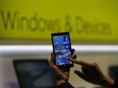 मुख्यमंत्रियों की समिति ने कहा, गरीबों को स्मार्टफोन खरीदने को 1,000 रुपए की सब्सिडी दी जाए
